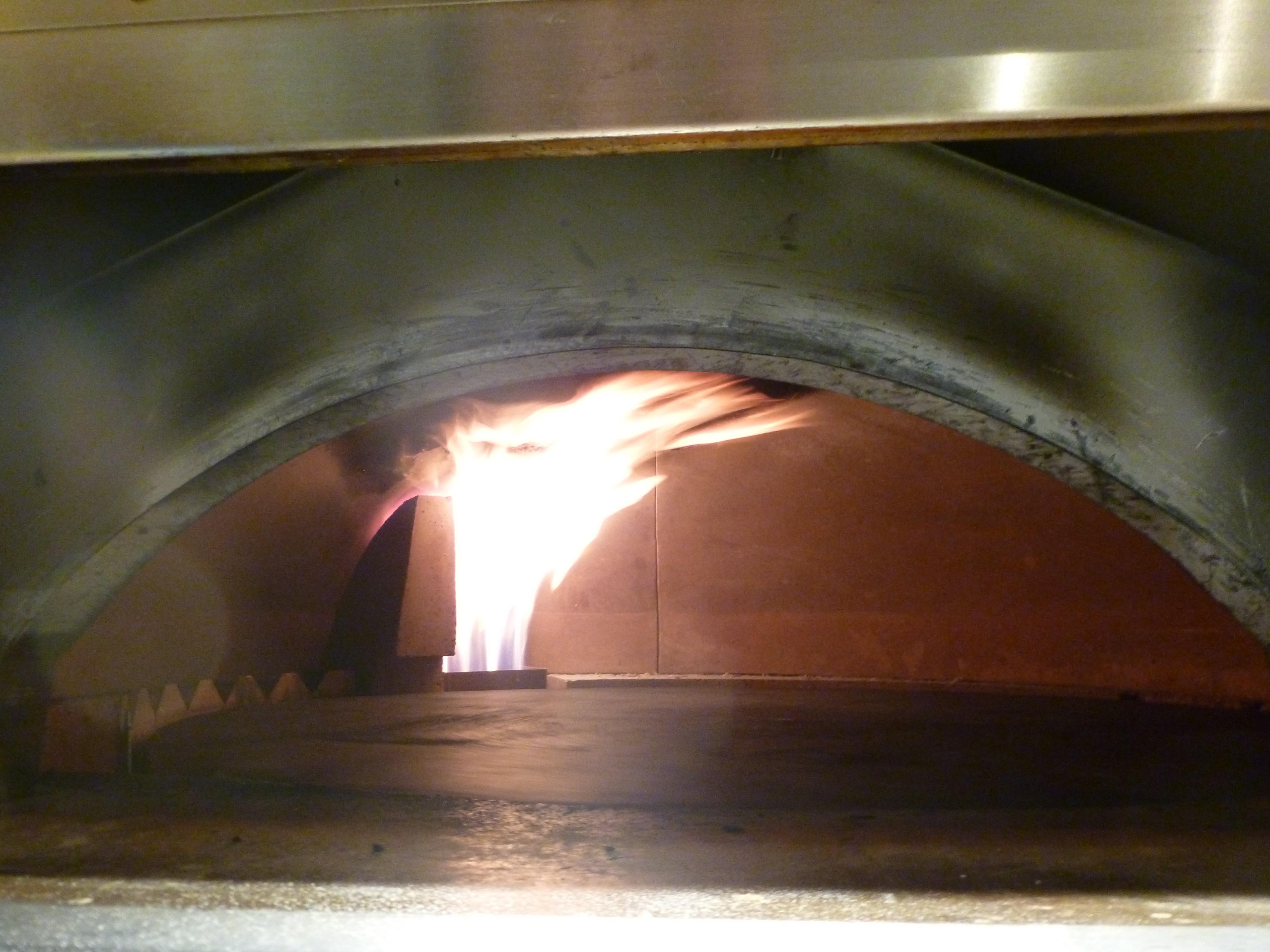 Con las manos en la masa en Bendita Pizza 2