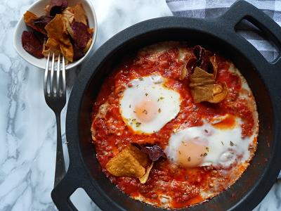 Boloñesa de chistorra y huevos al plato 4