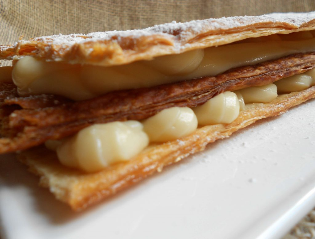 Milhojas de crema pastelera, delicia casera 3