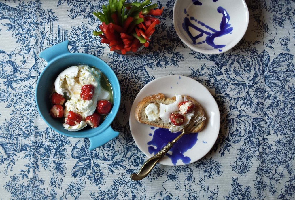 Mozzarella y pimientos cherry