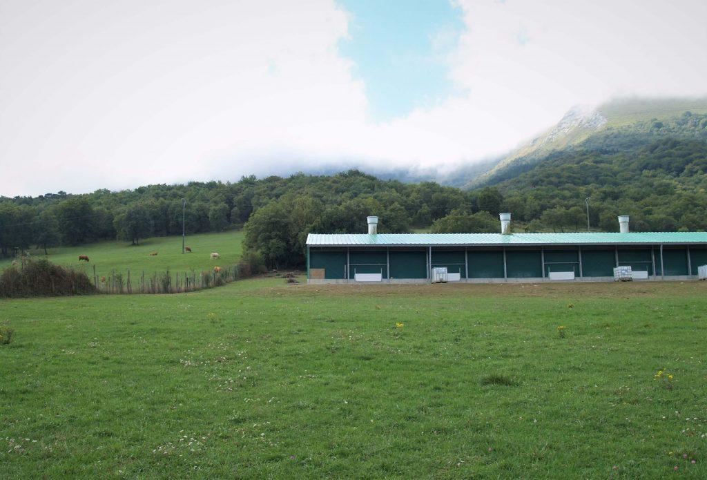 Vista de la granja Oilobide