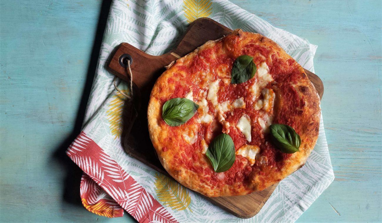 Pizza recién horneada
