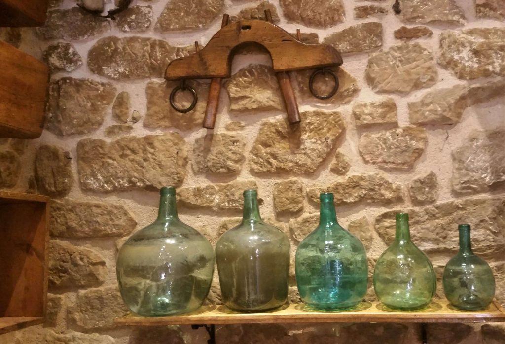 Damajuanas en Abadía de Morata