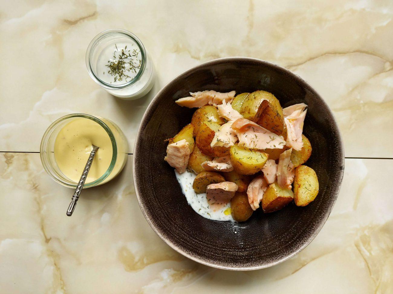 Receta de patatas baby con salmón y eneldo