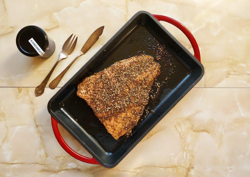 Presentación de lomo de salmón con zatar