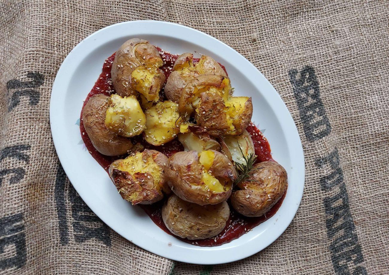 Patatas aplastadas al horno